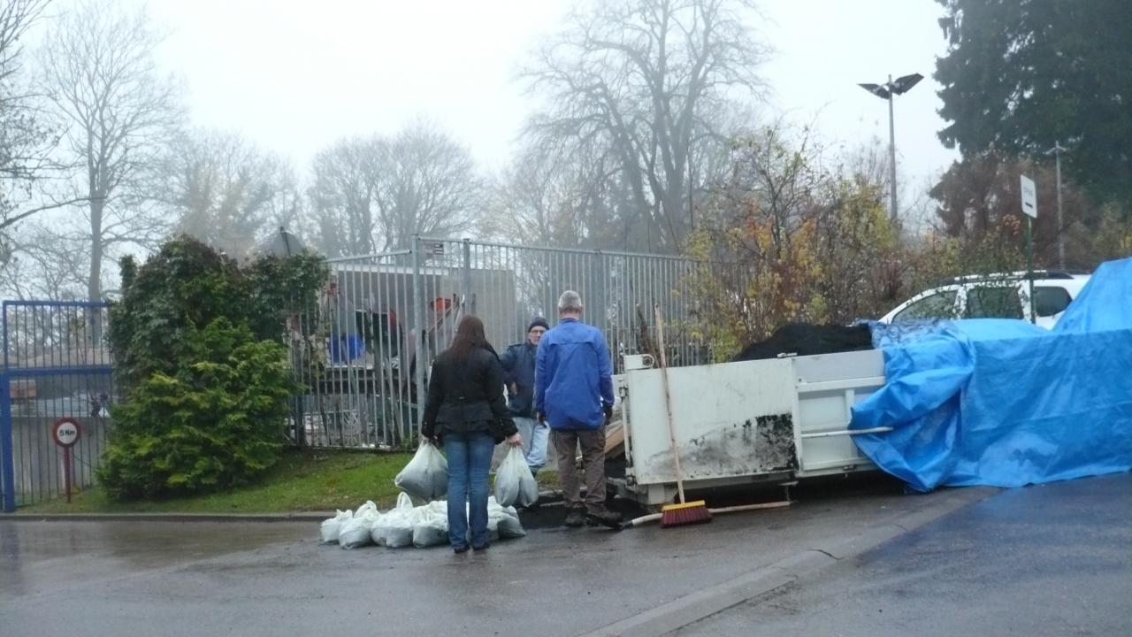 les sacs de compost prêt à distribuer