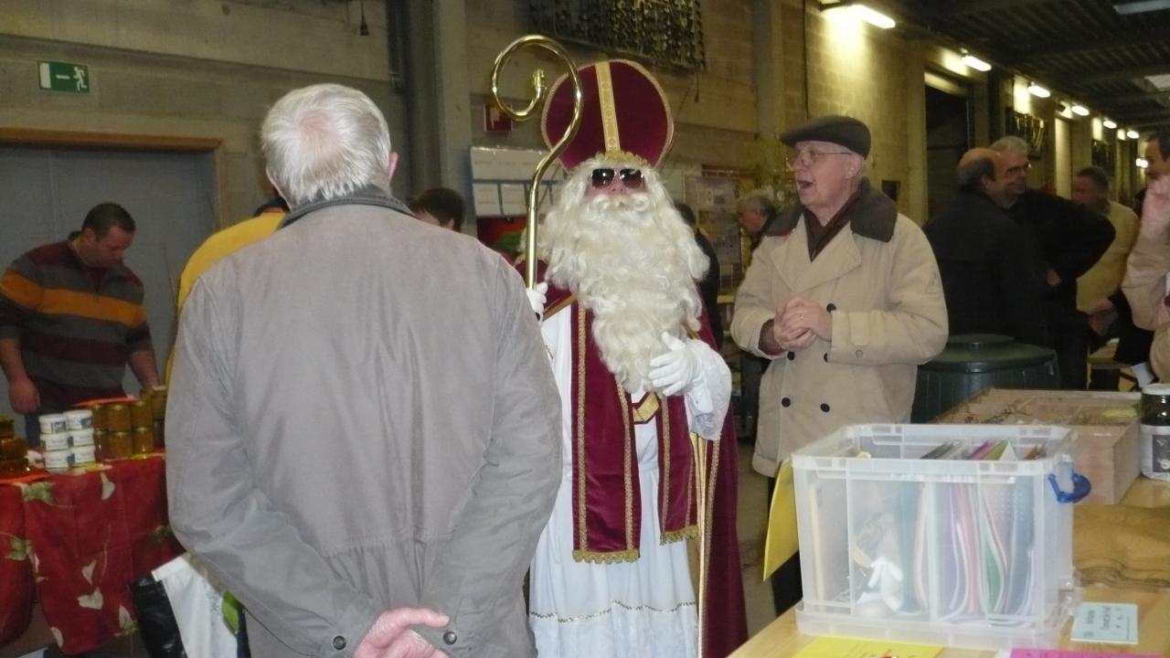 Jean avec Saint Nicolas devant notre stand